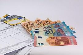 money-1439125__180